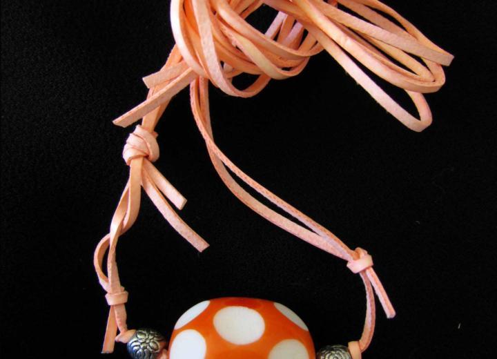 Halsketten aus Leder – Die 7 originellsten Kreationen
