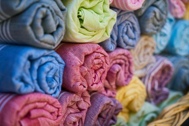 Textilien färben – Die 8 erstaunlichsten DIY-Methoden