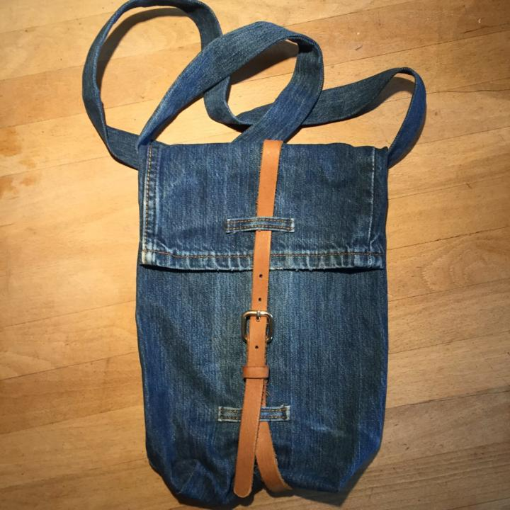 Coole Upcycling-JeansTasche schnell selbst genäht