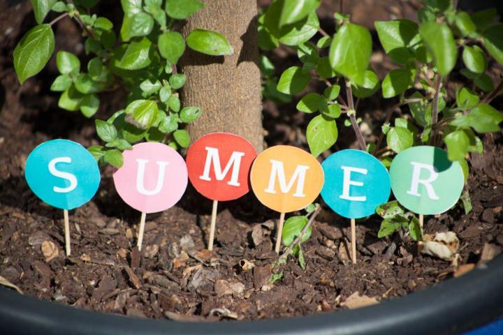 Sommerlich fröhliche DIY Buchstaben