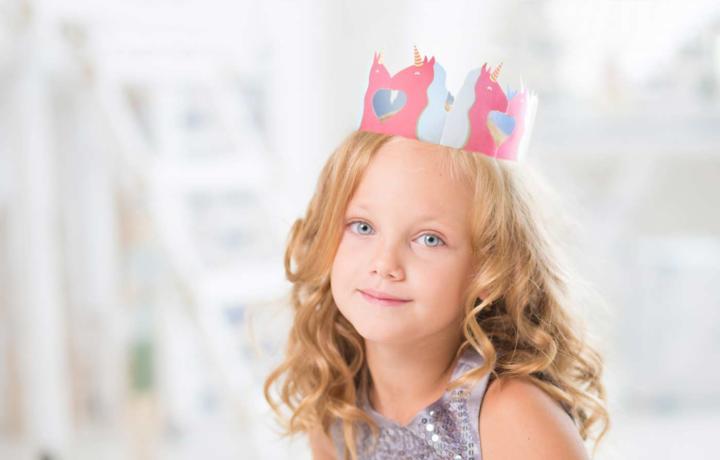 DIY Einhorn-Krone zum Kindergeburtstag selber basteln