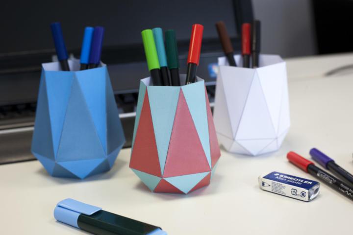 Ausgefallene DIY Stiftebecher aus Papier