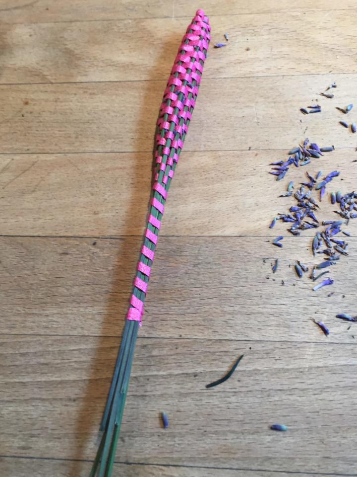 Lavendelstab Stiele hübsch umwickelt