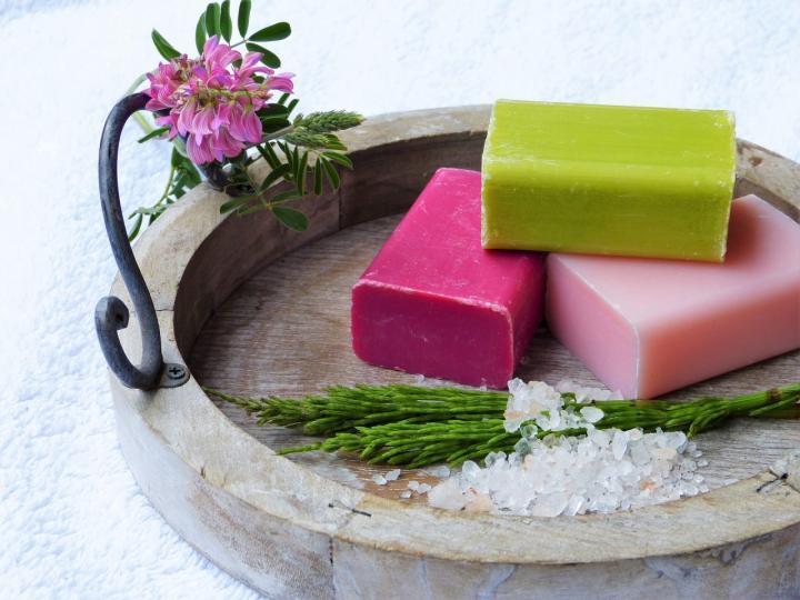Seife selber herstellen - 6 natürliche DIY-Varianten