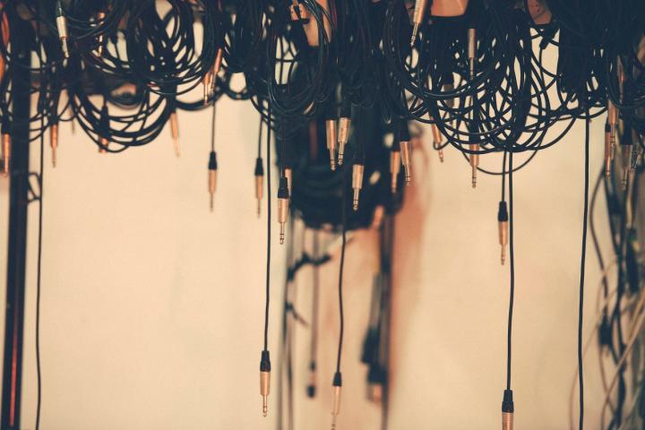 DIY Cable Organizer - 5 nützliche Ideen