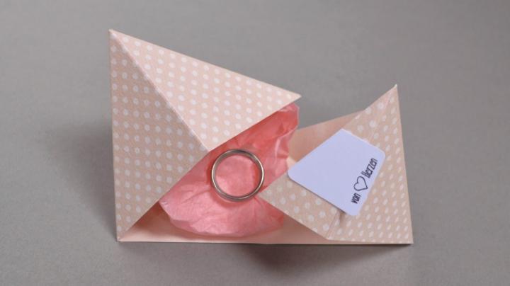 DIY Diamantschachtel als hübsche Geschenkverpackung
