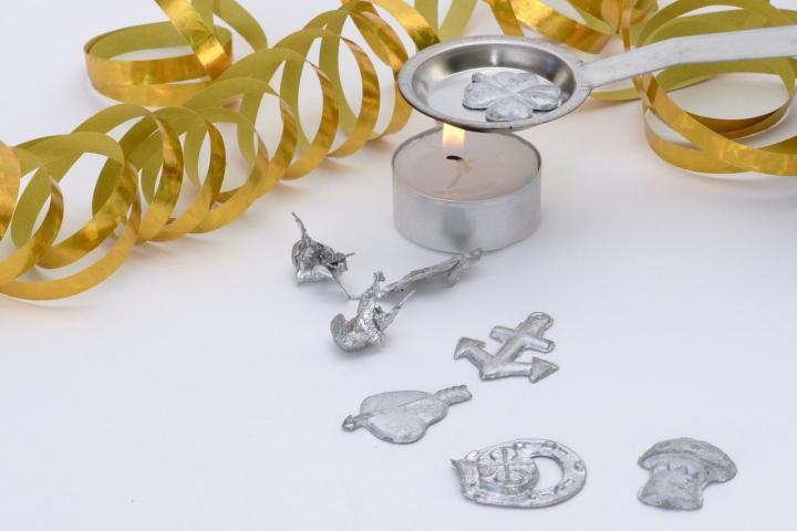 Silvester Spiele - 5 lustige DIY-Ideen für eure Feier